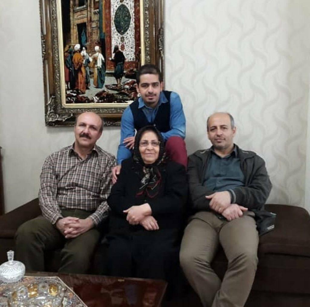 مهندس امیر مسعودی در کنار خانواده